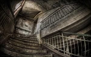 Old-Building-Ruins-Stairs-Dark-Nostalgia