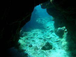 underwater-cave