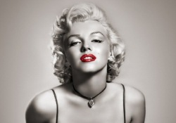 marilyn-monroe-black-and-white-red-lips-4